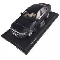 Модель BMW G30 5 серии 1:18